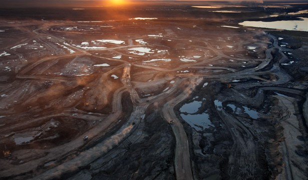 Tar-Sands Oil Makes Climate Change Unsolvable