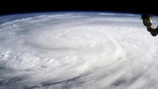 Extreme Weather November 2013 (Super Typhoon Haiyan, Midwest Tornado Outbreak, Sardinia Cyclone) HD