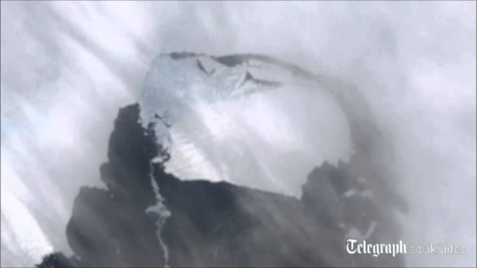 Singapore sized iceberg breaks off in Antarctica